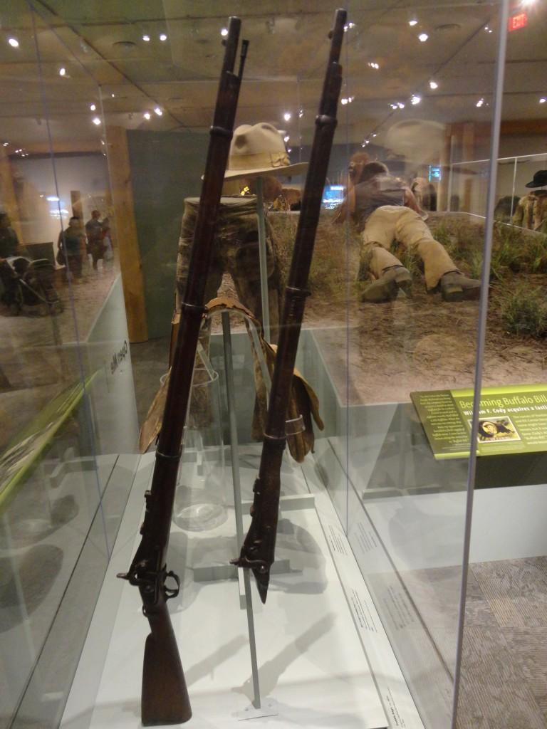 Lucretia Borgia i un altre exemplar del mateix model de rifle. Foto: @Emili Payà